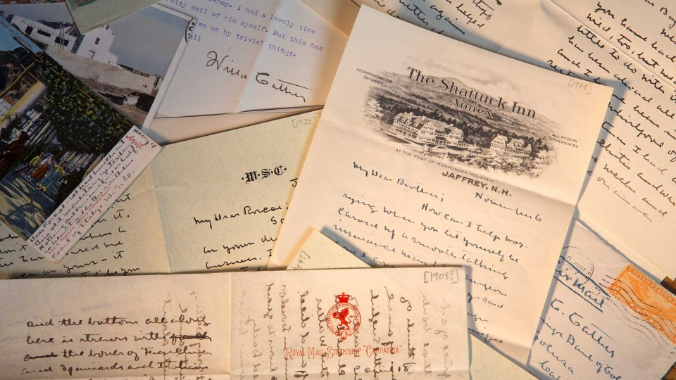 Pile of Cather's handwritten letters; links to news story Cather's handwritten musings become part of the internet age